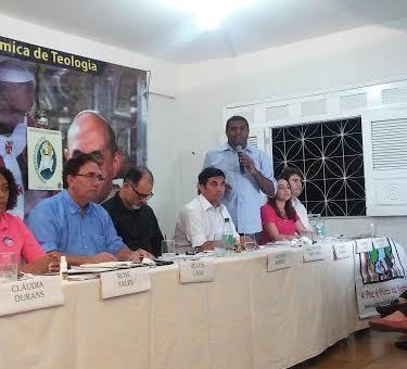 Candidato do PMDB declarou que o instrumento básico de planejamento municipal não contempla atividades portuárias.