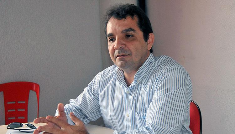 Prefeito de Santa Rita, Hilton Gonçalo, quer usar VLT para ligar municípios (Foto: Divulgação)