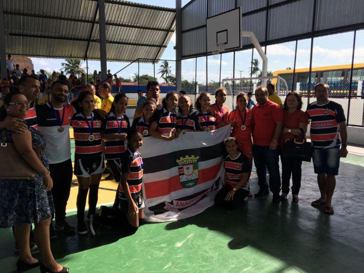 Escola Comecinho de Vida foi campeã do futsal feminino da fase que ocorreu em Humberto de Campos