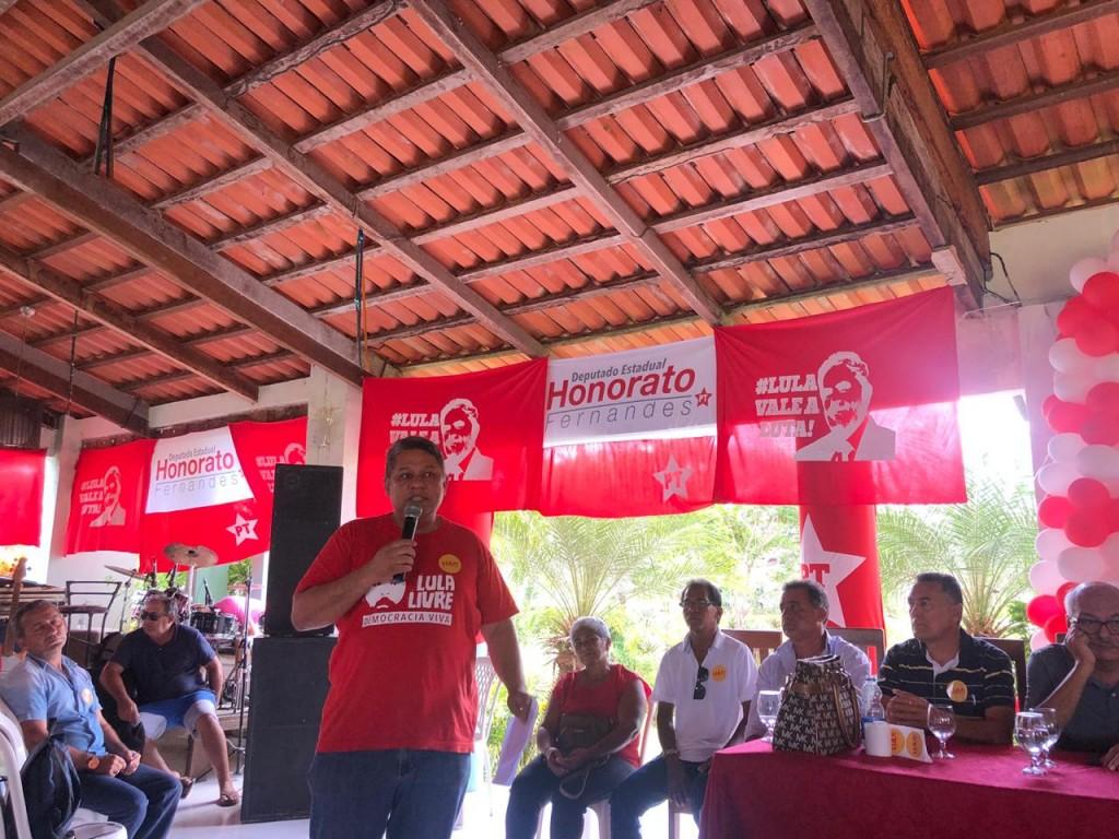 Honorato Fernandes lança pré-candidatura a deputado na cidade de Viana. (1)