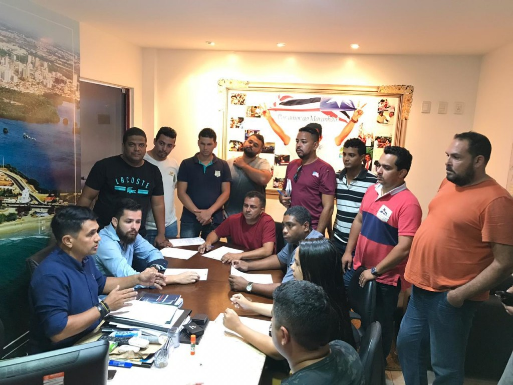 Reunião com representantes de motoristas de aplicativos