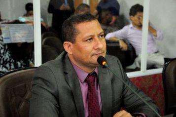 Marquinhos-Silva-requer-revitalização-e-implementação-de-aparelhos-de-academia-no-Fumacê.-e1539712638871